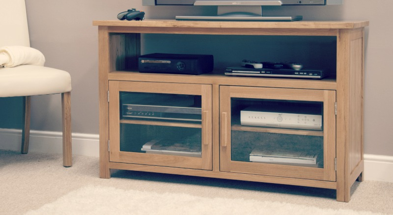 Oak Entertainment Units: Benefits Of Regular Cleaning