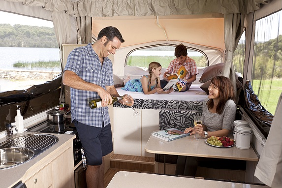 Happy Caravanning: the Practical Benefits You Can Get from an Awning