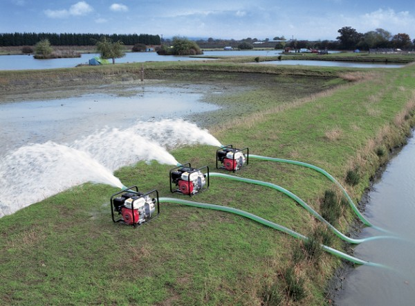 The Benefits of Using Transfer Pumps for Solving Water Issues