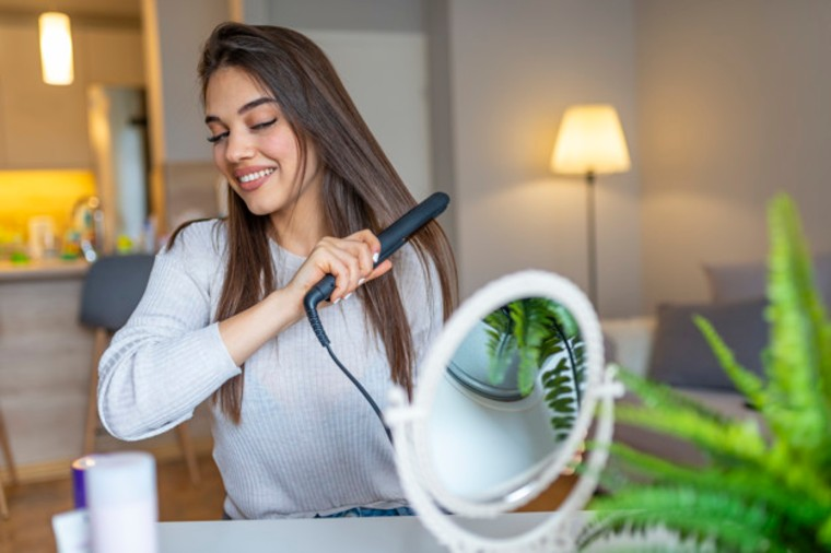 What Benefits Do Ceramic Hair Straighteners Offer? | 3 Benefits Of