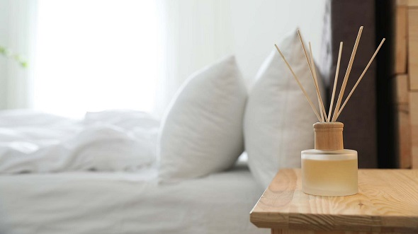 essential oils as decoration in bedroom